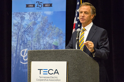 Tennessee Gov. Bill Haslam addresses members of the Tennessee Electric Cooperative Association earlier this year. [photo: TECA]